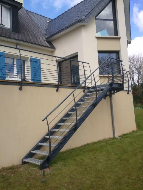 Escalier extérieur accès terrasse à Plougastel-Daoulas