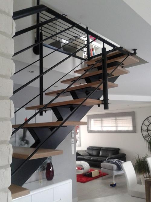Escalier métal Finistère ACM: Escalier design à limon central, quart ...