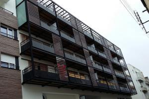 Pose garde-corps et balcons bois/métal Brest
