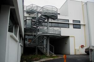Escalier extérieur en acier