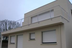 Garde-corps cintrés sur balcon