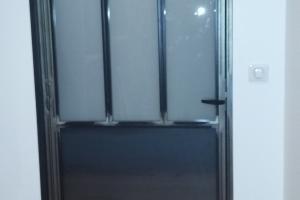 Porte acier style verrière vitrage opale